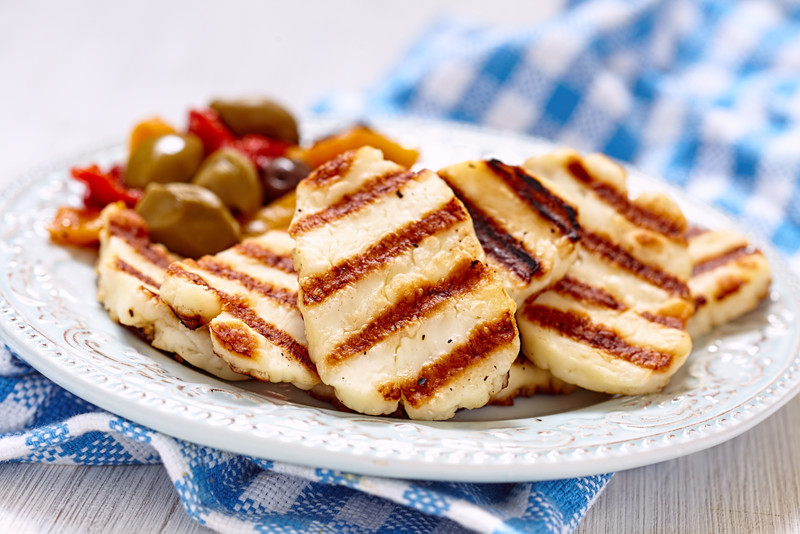Grilled halloumi cheese with olives