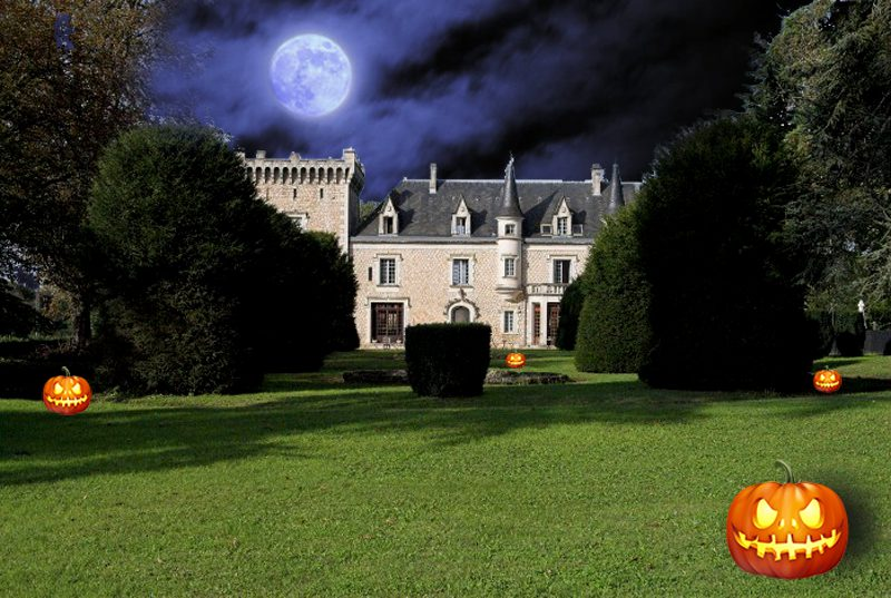 Scary Halloween Villas and Castles