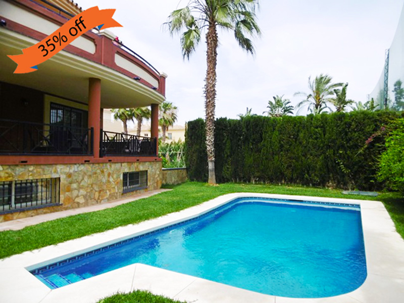Beach apartment with 3 bedrooms, 2 bathrooms, shared pool and golf