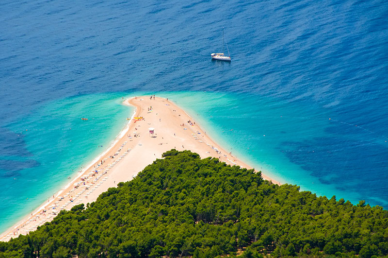 Famous beach in Zlatni Rat