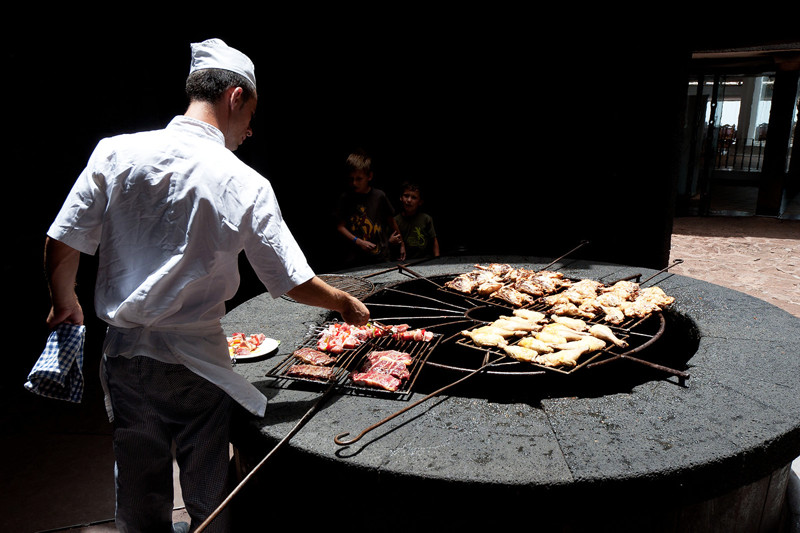 cooking meat over a volcano Lanzarote