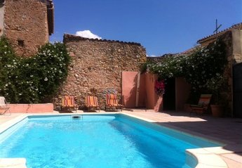 Villa in Cruzy, the South of France