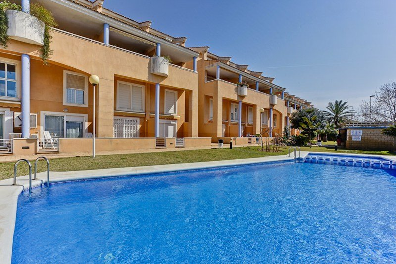 Apartment To Rent In J Vea Spain With Shared Pool 114082