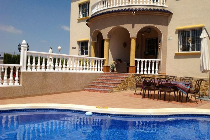 Beach Villa With 3 Bedrooms, 2 Bathrooms And Private Pool In El Raso, Spain