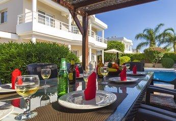 Villa in Agios Georgios, Cyprus
