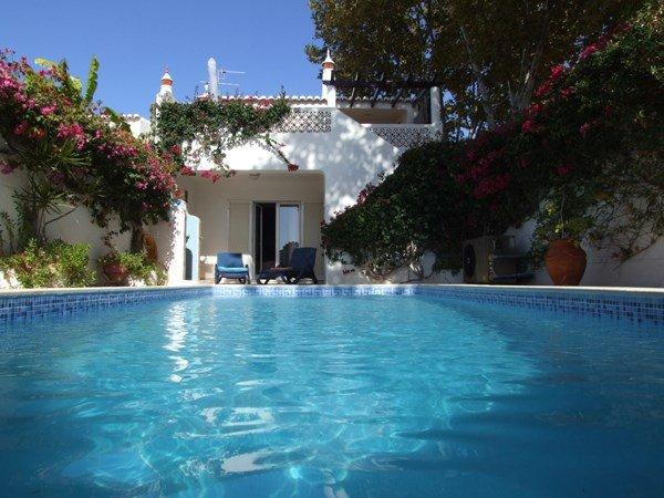 Villa To Rent In Praia Da Luz Algarve With Private Pool 119022