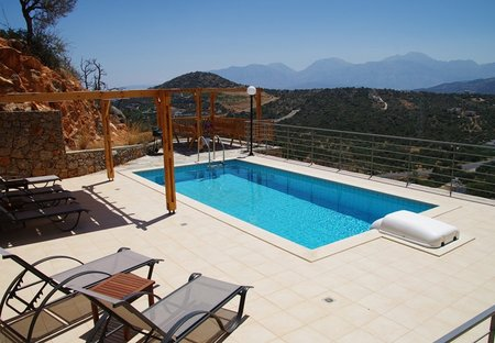 Villa in Kritsa, Crete: Pool terrace with amazing views