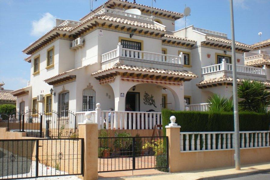 Villa Rentals In Cabo Roig Spain