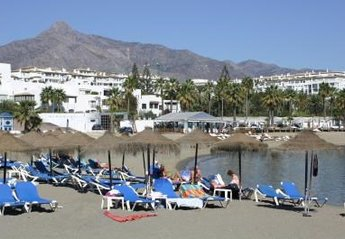 Apartment in Puerto Banús, Spain: Relax on beautiful  blue flag sandy beaches