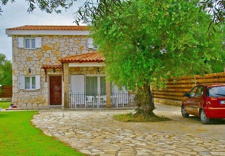 Villa in Kaminia, Zakynthos: Front view of villa