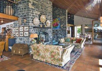 Villa in Civenna, Italy