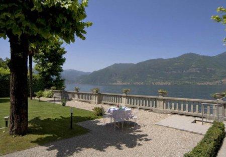 Villa in Lezzeno, Italy