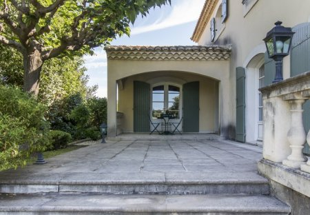 Villa in Vauvert, the South of France
