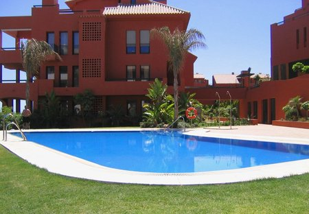 Apartment in Sitio de Calahonda, Spain: 1. Pool area