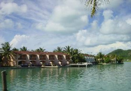 Villa in Jolly Harbour, Antigua and Barbuda: Perfect waterside location