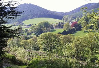 Cottage in Nantmel, Wales: Looking towards the village