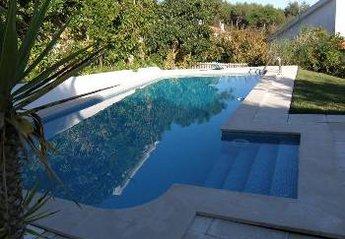 Villa in Galamares, Lisbon Metropolitan Area: Garden and swimming pool