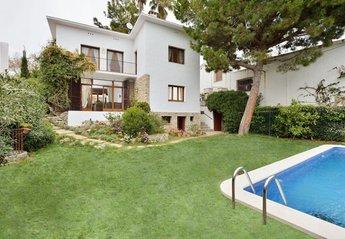 Villa in El Passeig Marítim, Spain