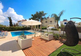 Villa in Potamos, Cyprus