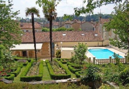 Villa in Ribérac, France