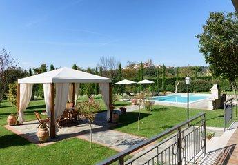 Villa in Castiglion Fiorentino, Italy