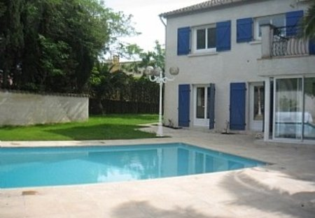 Villa in Lespignan, the South of France