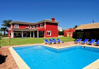 Villa in Barradas, Algarve