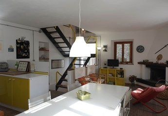 Country House in Gello, Italy