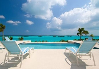 Villa in Providenciales, Turks and Caicos: Lounge By The Infinity Edge Pool Overlooking Chalk Sound