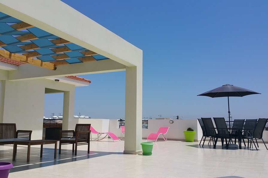 Penthouse apartment to rent in oroklini cyprus with for Penthouse apartment price