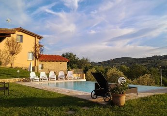 Country House in Monte San Savino, Italy