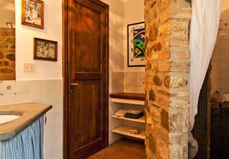 House in Monte Castello di Vibio, Italy