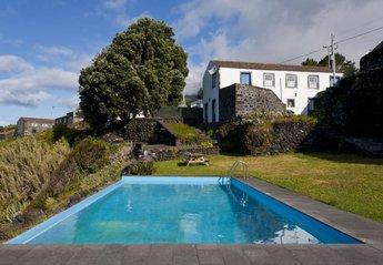Cottage in Portugal, Companhia de Baixo