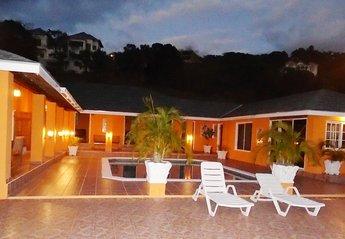 Villa in Jamaica, Whitehouse