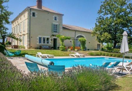 Villa in Baleyssagues, France