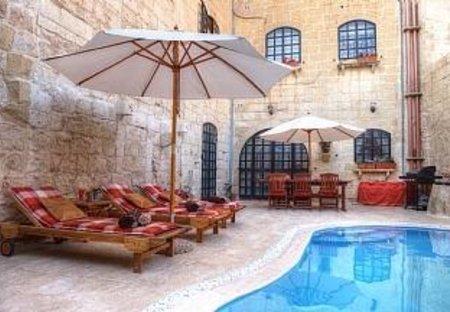 House in Ħal Bisbut, Malta