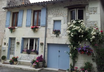 Cottage in Bourg-Charente, France