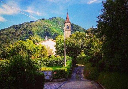 Villa in Alto Reno Terme, Italy