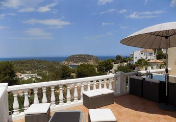 Villa in Mar Azul, Spain
