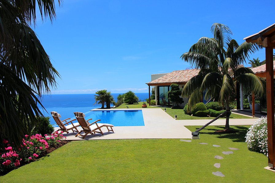 Villa To Rent In Pombal Madeira With Private Pool 188286