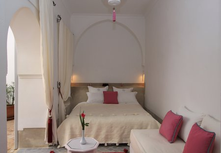 Riads in medina houses to rent in medina clickstay - Riad medina marrakech avec piscine ...
