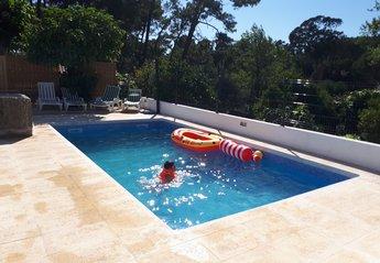 Villa in Bairro do Totobola, Lisbon Metropolitan Area