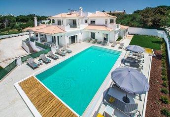 Villa in Portugal, Olhos de Água