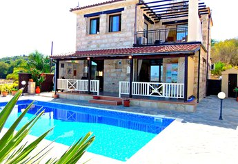 Villa in Stroumbi, Cyprus