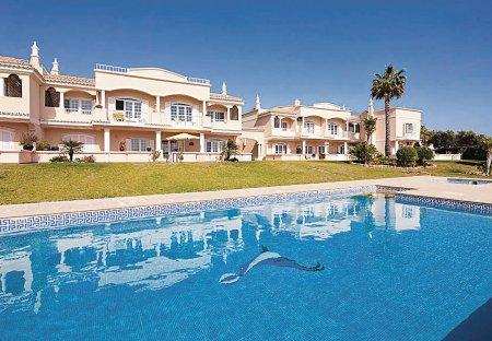 Villa in Caramujeira, Algarve