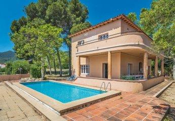 Villa in Argentona, Spain
