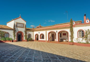 Villa in El Garrobo, Spain