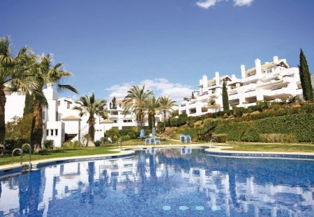 Apartment in Río Real Golf, Spain
