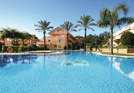 Apartment in Elviria, Spain