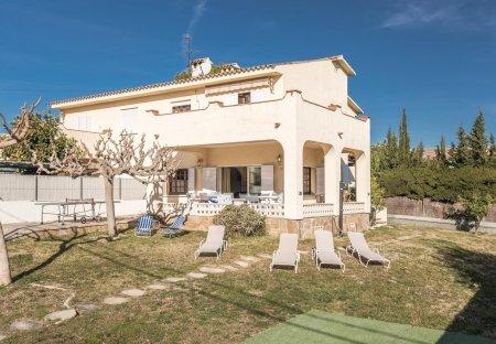 Villa in Baramar, Spain
